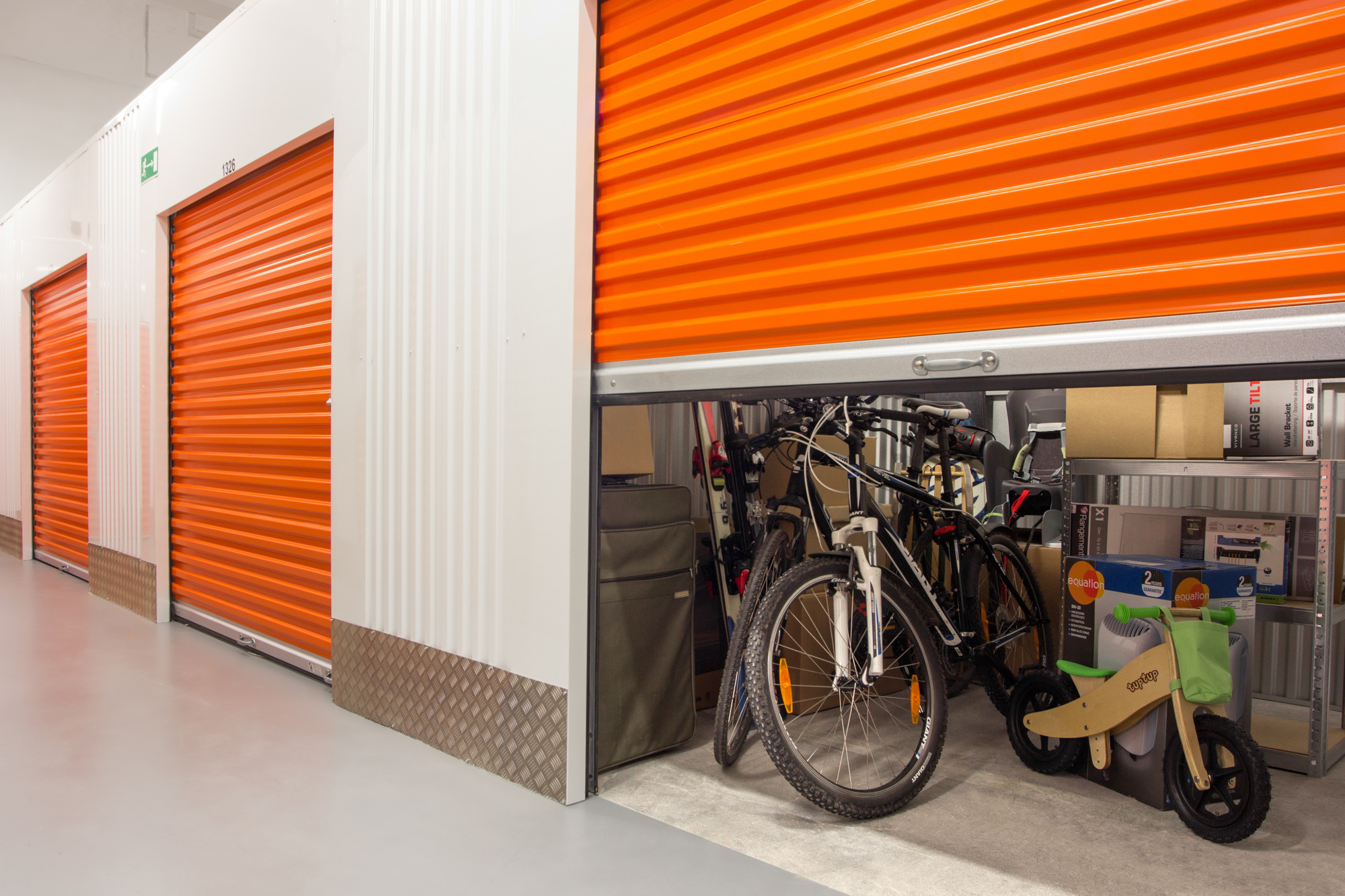 Indoor Vs Outdoor Self Storage American Self Storage